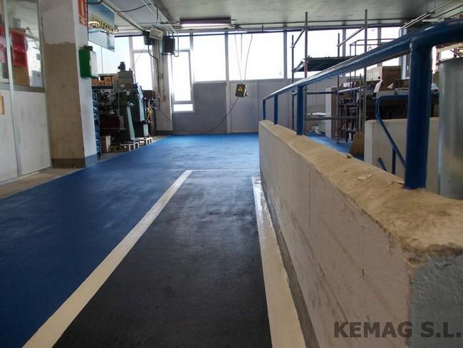 Pavimento resina antideslizante kemag pavimentos for Pavimento antideslizante
