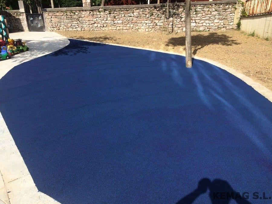 Pavimento continuo en parque infantil kemag pavimentos for Pavimentos para piscinas