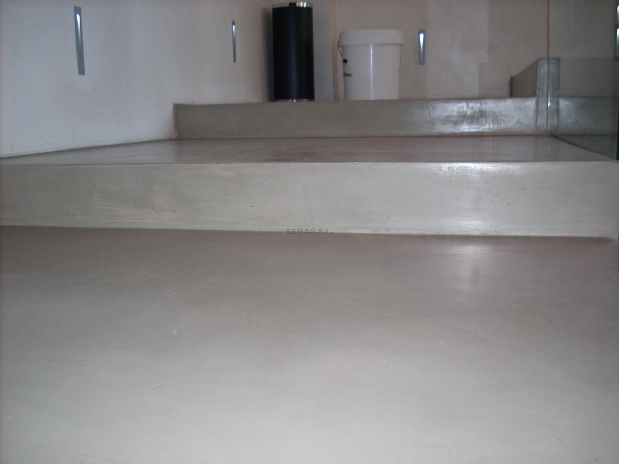 Preparar suelo para capa acabado de microcemento kemag - Microcemento que es ...