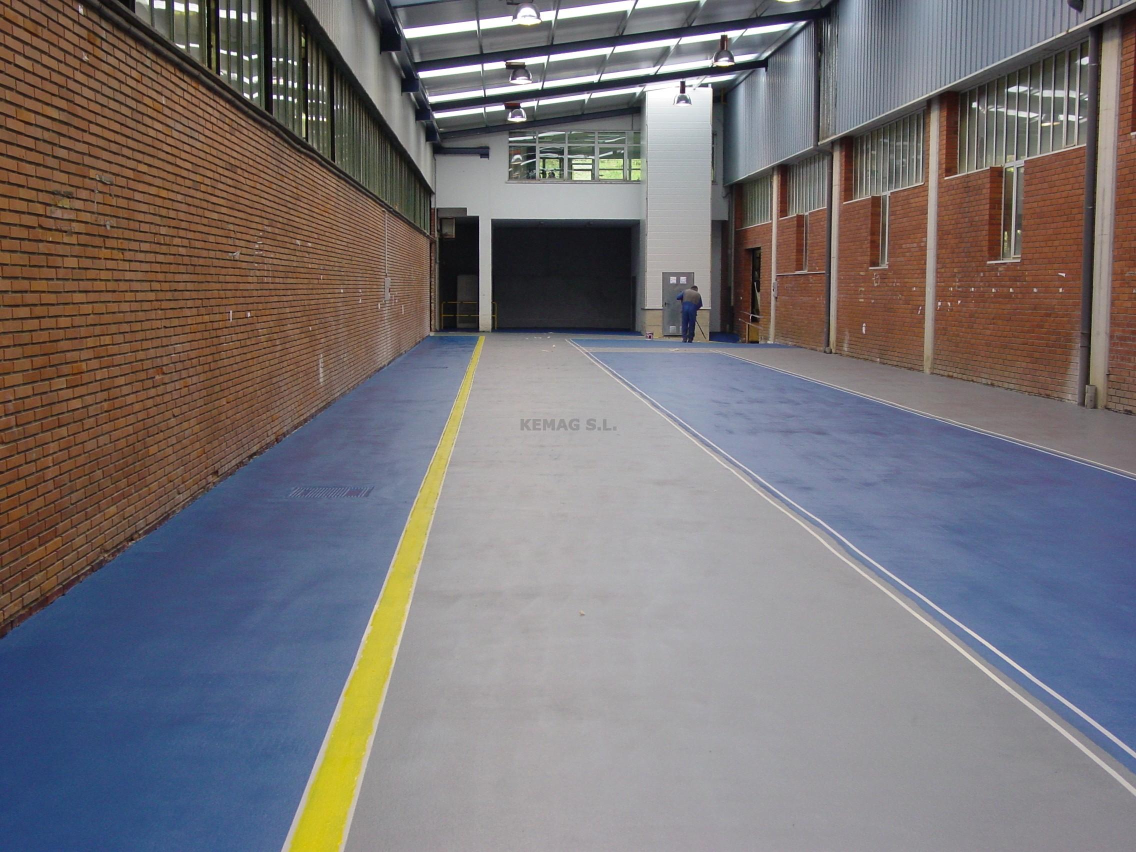 Aplicar pintura epoxi multicapa kemag pavimentos - Pintura suelo parking ...