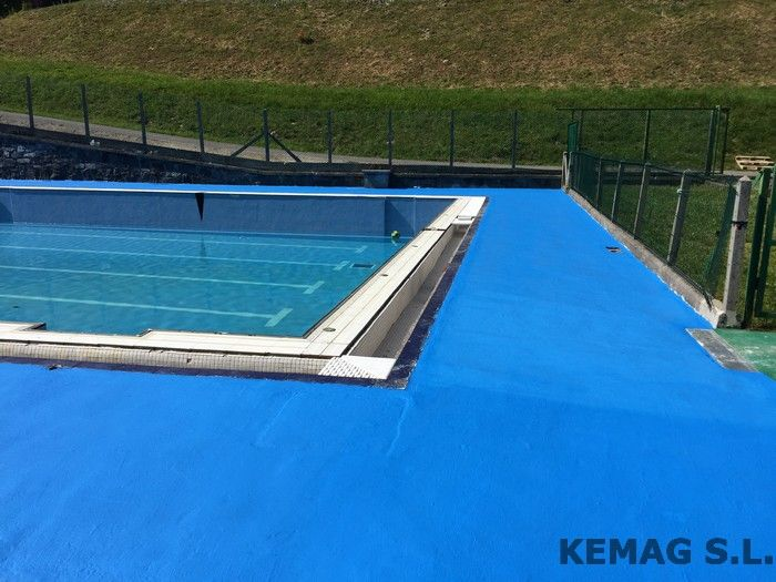 Pavimento exterior piscinas kemag pavimentos for Pavimento para alrededor piscina