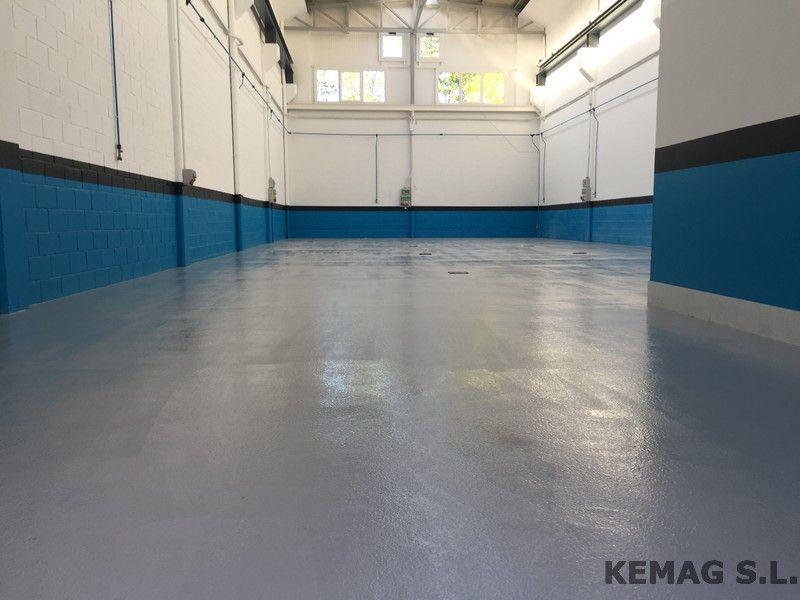 Pavimento resina epoxi antideslizante kemag pavimentos for Pavimento antideslizante