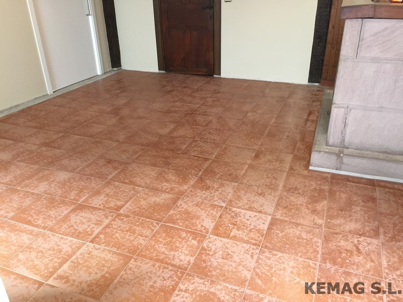 Aplicacion microcemento archivos kemag pavimentos - Microcemento para suelos ...