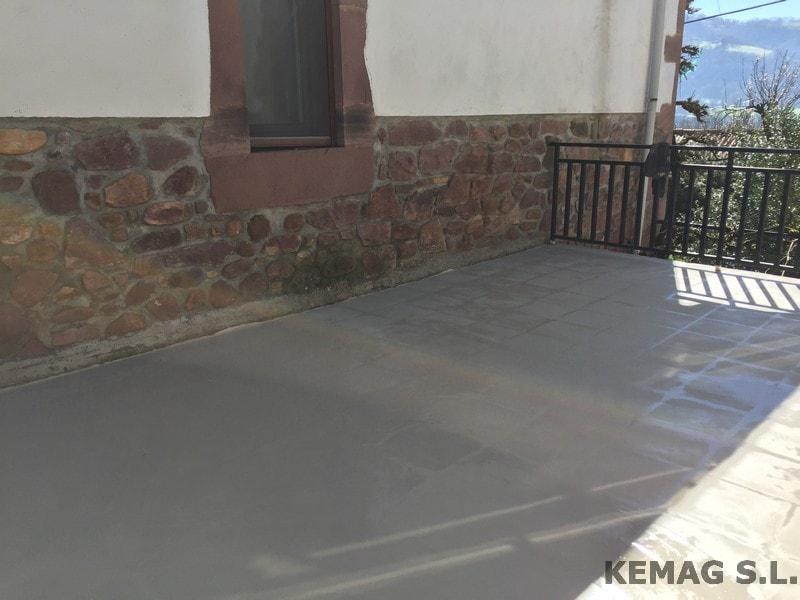 Aplicaci n de microcemento en navarra kemag pavimentos - Microcemento para exterior ...