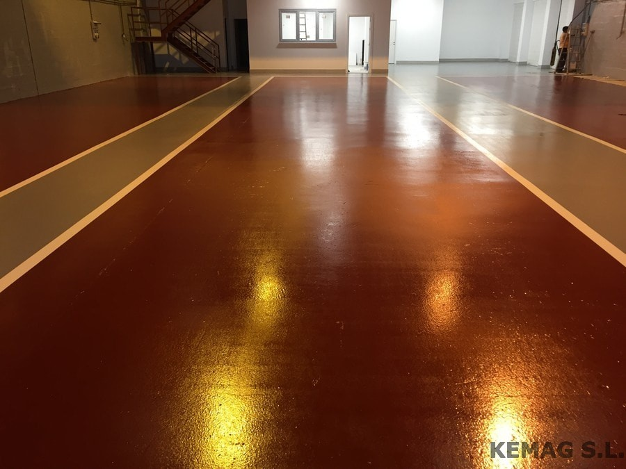 Aplicaci n vermiculita archivos kemag pavimentos - Pintura suelo parking ...